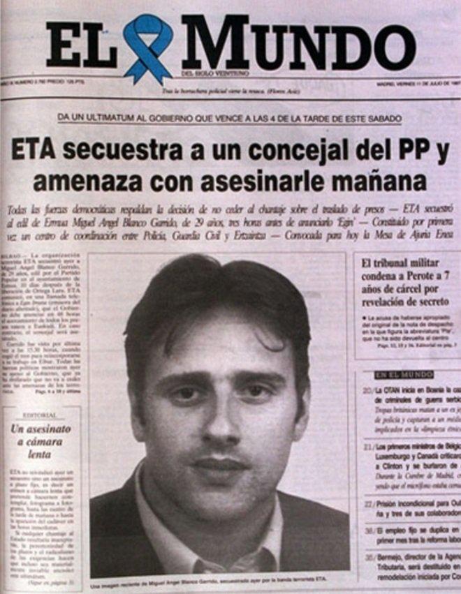 #TalDíaComoHoy hace 23 años #ETA puso en marcha una macabra cuenta atrás sobre la vida de Miguel Ángel Blanco.   La firmeza democrática para no ceder ante el chantaje de ETA costó la vida a MAB.   Hoy, la izquierda abertzale sigue justificando su asesinato y tantos otros. HILO⬇ https://t.co/Yar37Z9q1e