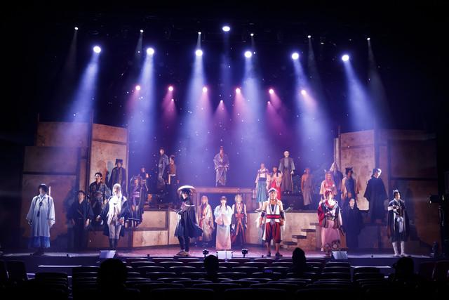 【公演レポート】田中れいな出演、和風アドベンチャーゲームもとにした舞台「剣が君」開幕(写真34枚)