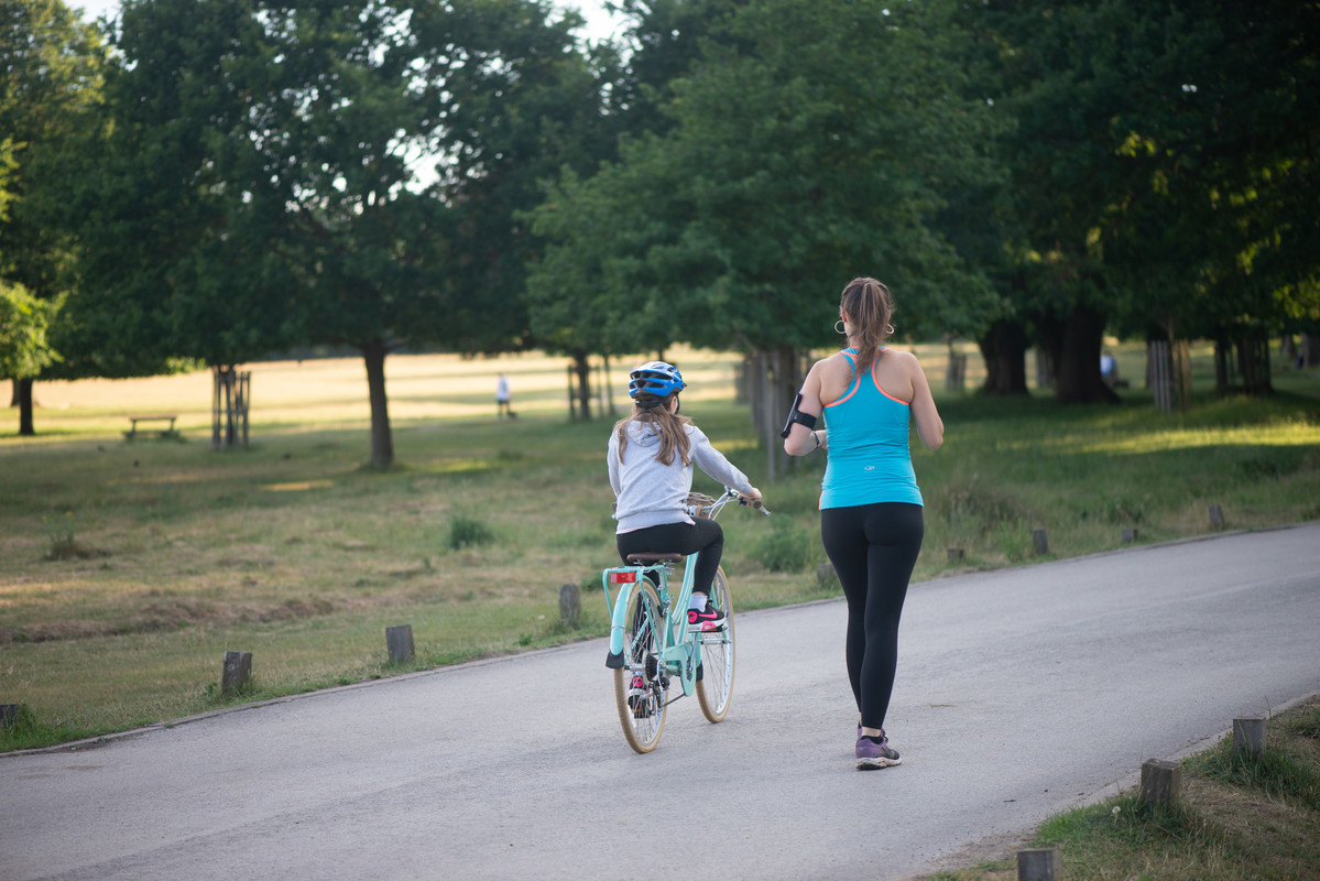 As part of our Movement Strategy we have announced five trial projects across six Royal Parks, all of which seek to further restrict cut-through traffic on park roads and create new spaces for park visitors to enjoy. Learn more here: royalparks.org.uk/managing-the-p… #london #transport