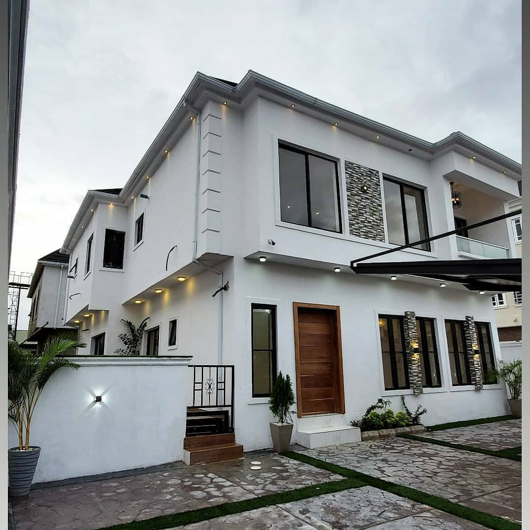 Naira Marley has acquired another house in Lekki <br>http://pic.twitter.com/DzS8jZ0vJK