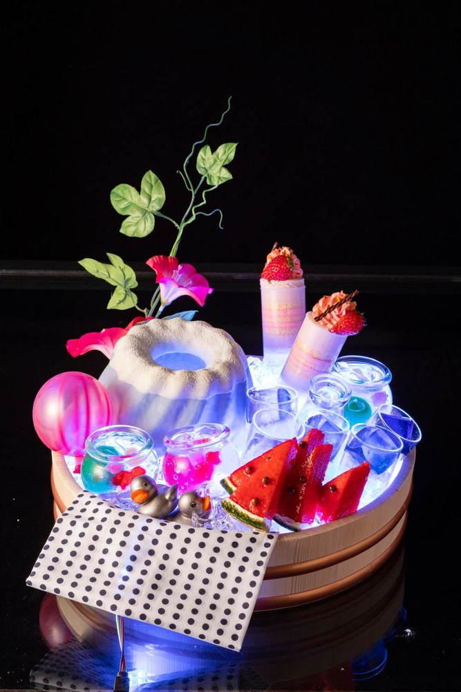 近未来の縁日スイーツが並ぶ?!ヒルトン東京お台場のデザートビュッフェ、金魚すくいモチーフの最中など -