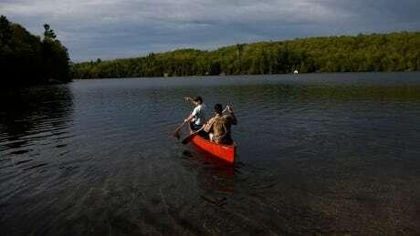 Kayaks, dumbbells, hot tubs: Recreational items in short supply during pandemic https://ift.tt/31XZtX4 #ottnews #ottawa pic.twitter.com/N7z495wywO