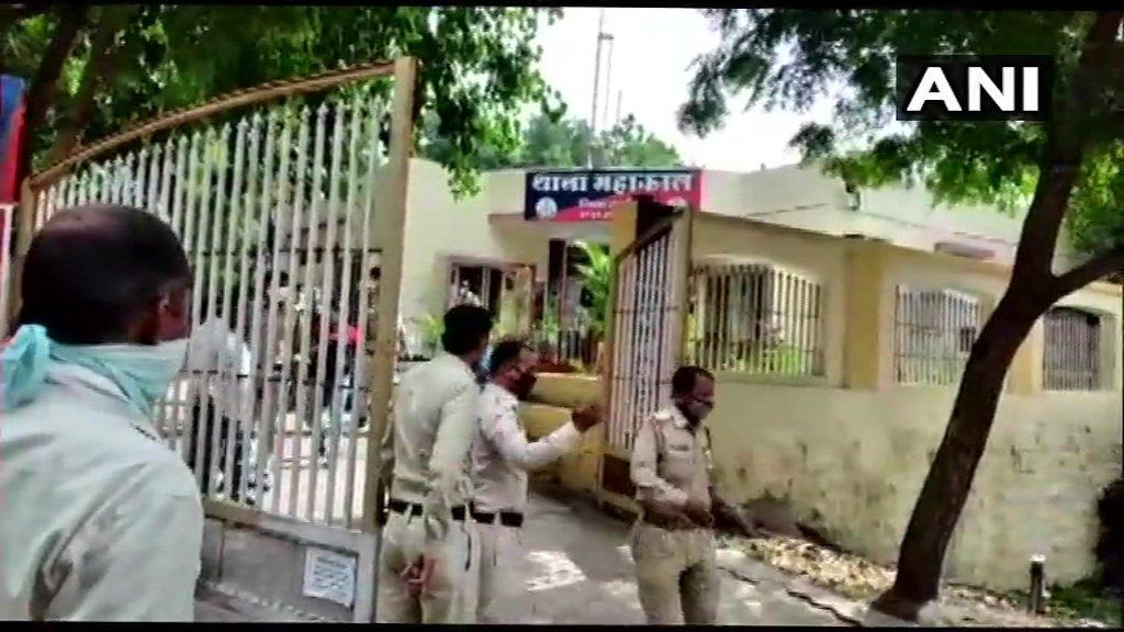 अपना हिसाब चुकता करने के बाद ये मान लिया जाए कि अब कानपुर की घटना के बाद प्रयागराज और जौनपुर में हुई हत्याओं के भी पुलिस हिसाब करेगी... @Uppolice @dgpup https://t.co/mJO9ktm8Nd