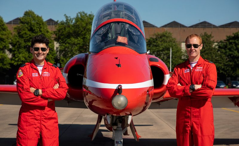Red Arrows get display approval. After months of training, the Royal Air Force Aerobatic Team today (8 Jul 20) successfully completed an annual assessment, known as Public Display Authority (PDA)... ,@rafredarrows #redarrows  #ArmedForcesCommunity https://t.co/1NjcrR3KhV https://t.co/lg6qs4mvqc