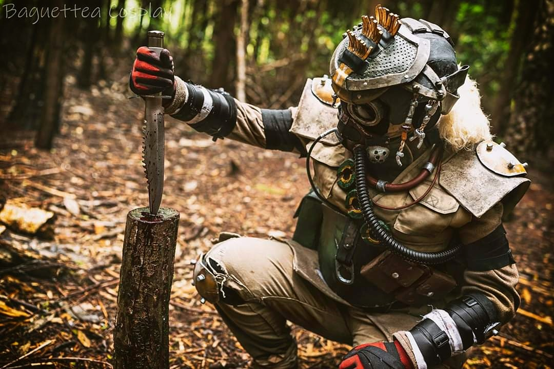 First of the pics from my Bloodhound photoshoot from a couple of days ago.  Really love how this pic turned out and I'm super excited for the others to arrive @PlayApex  #cosplay #bloodhound #ApexLegends #apexlegendscosplay #bloodhoundcosplay #cosplayers #cosplaygirl pic.twitter.com/HOeiTbgyz9