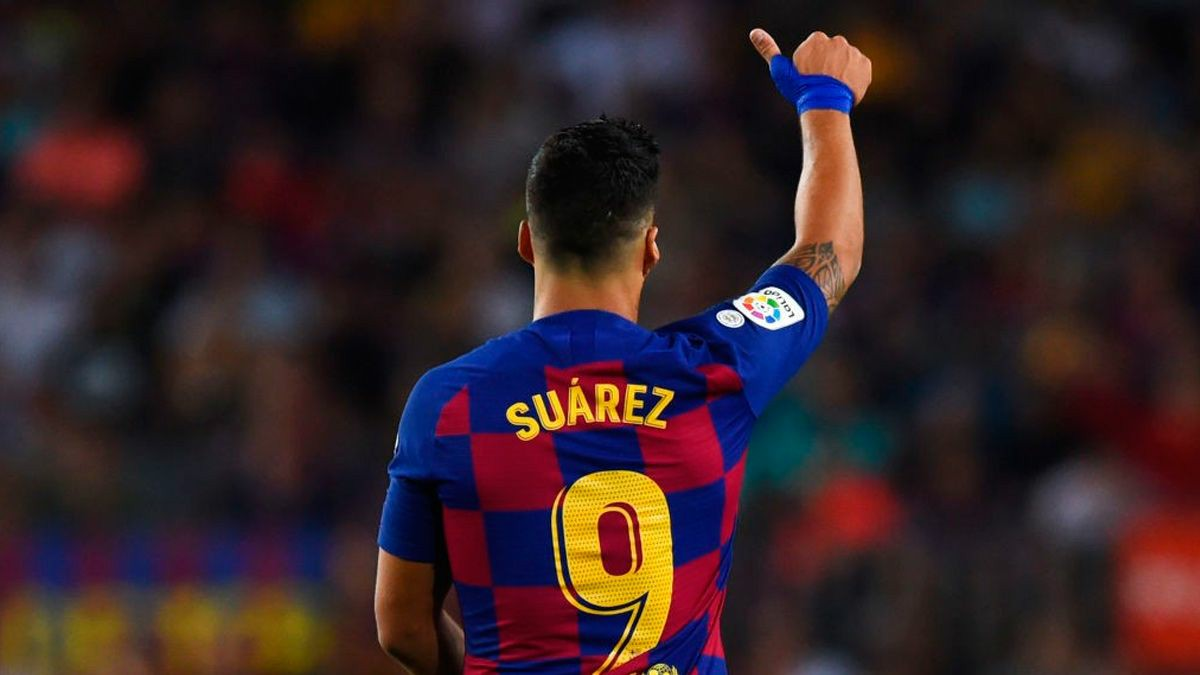 """Suarez: """"3rd top scorer ? I'm happy & proud of achieving it. I feel I'm lucky to have wore this Blaugrana shirt."""" https://t.co/sPrMxfQWSv"""