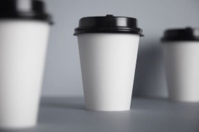 #Papercups are valuable items – they're hygienic & safe to use, being produced in the UK/EU in accordance with strict food contact regulations and with drive throughs now open they'll help reduce cross infection! #circulareconomy  #foodhygiene #foodsafetypic.twitter.com/gzfoL96UI4