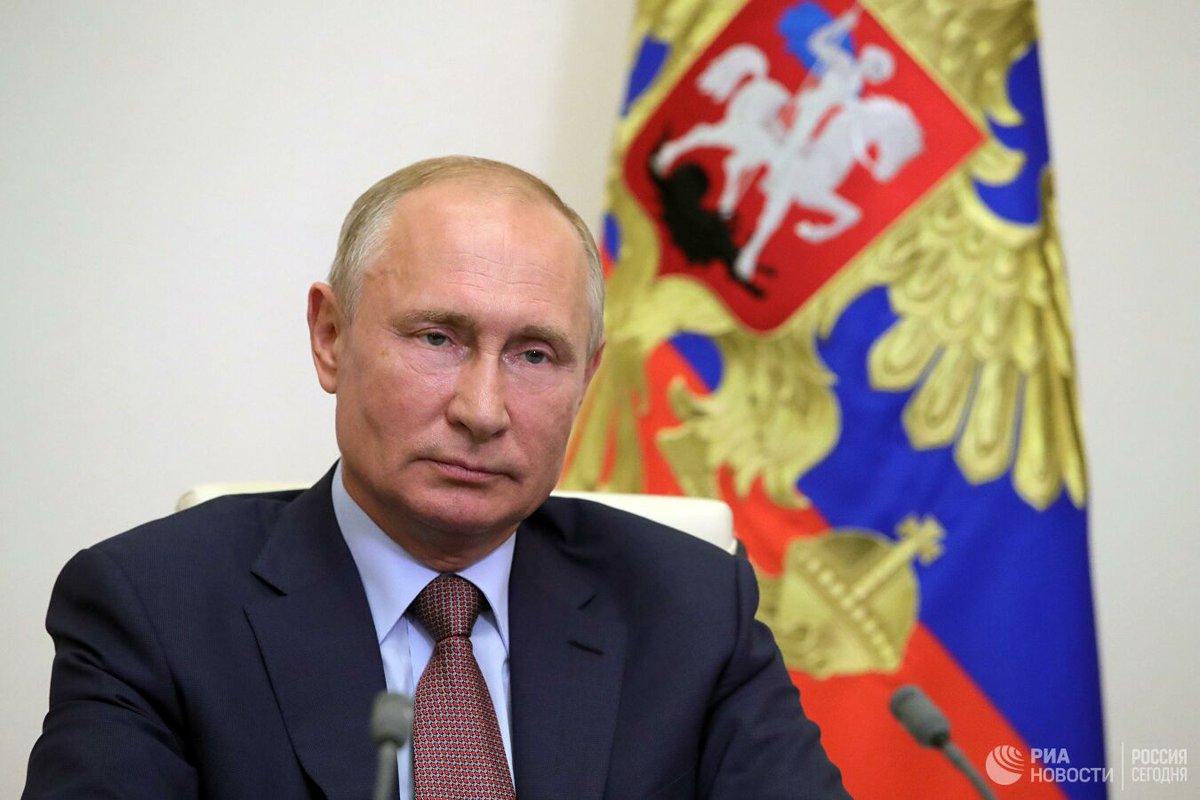 В Кремле считают некорректными сравнения периода президентства Владимира Путина со сталинскими временами https://t.co/KEbzERcPxx https://t.co/ymcWUJWcsA