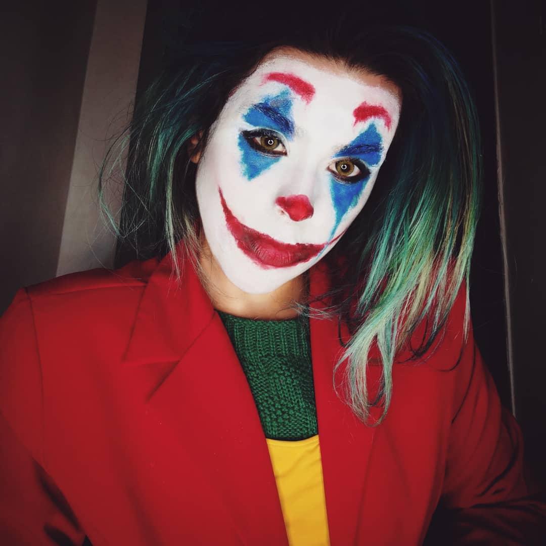 I remember when I lost my mind https://vm.tiktok.com/JL1wBvm/#cosplay #joker #cosplaygirl pic.twitter.com/Xn9DjqUK8q