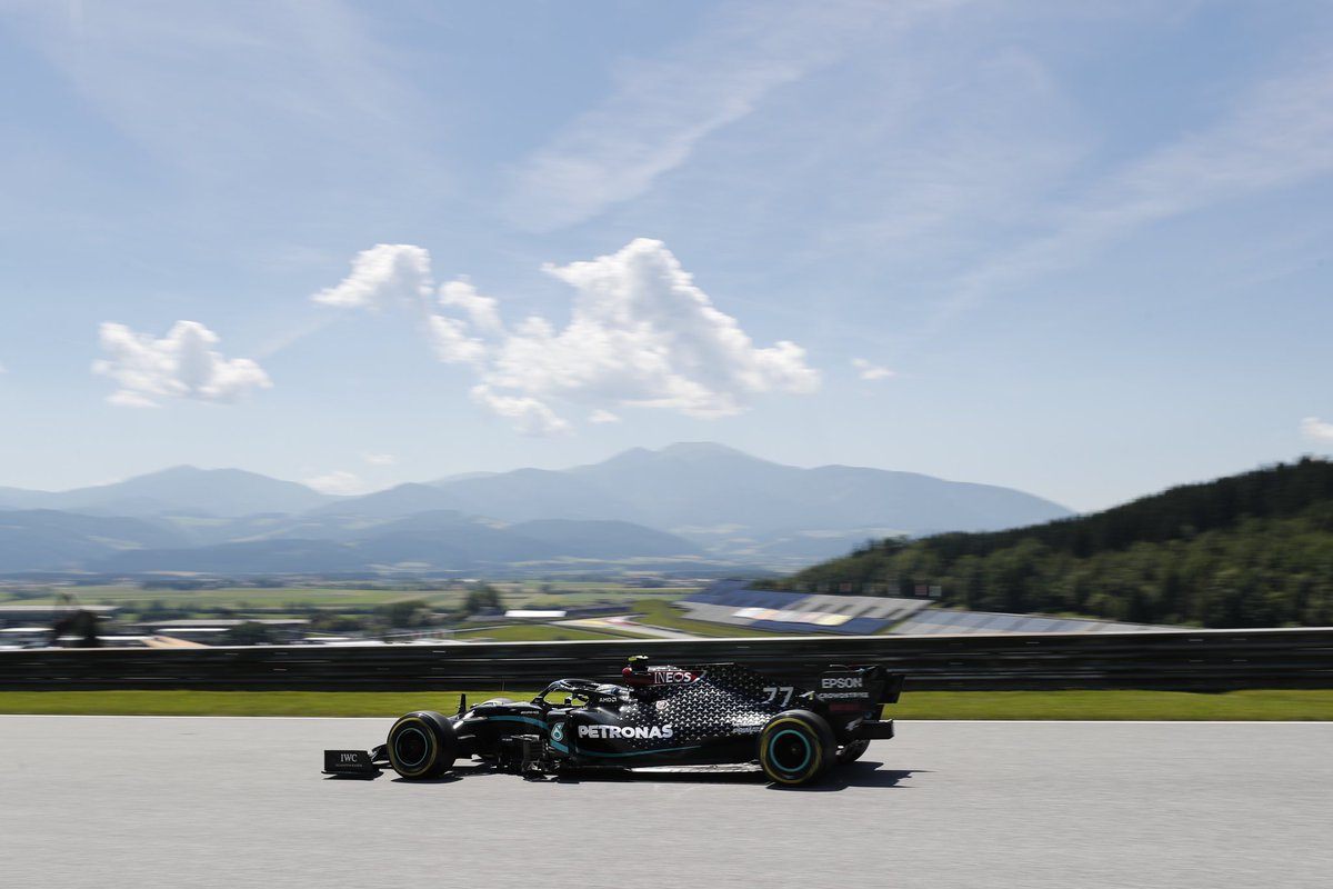 ☀️ is out for the first session of the #AustrianGP, but for how much longer? 😅  P3 & P4 for #PETRONASmotorsports - don't miss a 🔥 #FP2 later today! 👊 https://t.co/ilk4jhBTc5