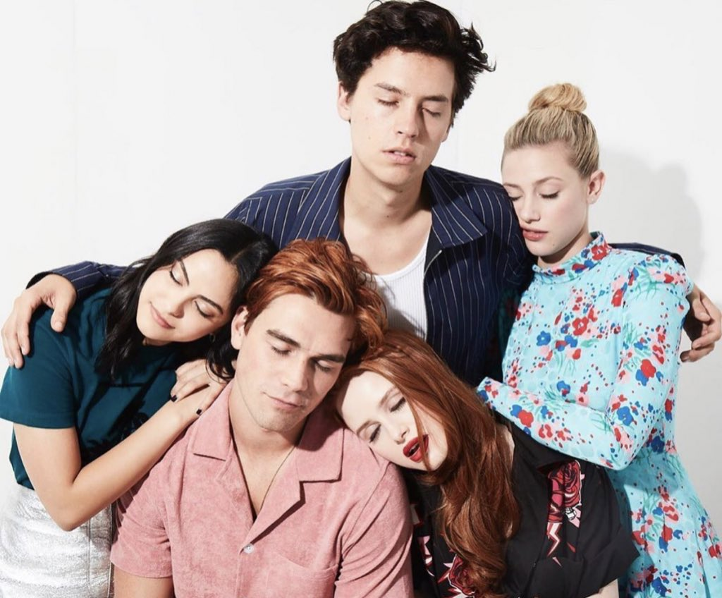 Riverdale Cast. #Riverdale #ColeSprouse #LiliReinhart #Sprousehart #KJApa #CamilaMendes #MadelainePetschpic.twitter.com/13lFCAiYqF