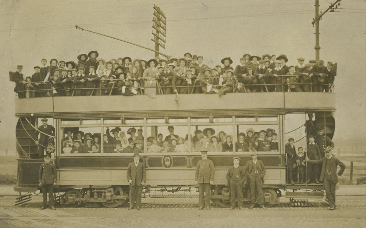 Struck me as the very opposite of social distancing? A tram outing at #Jarrow Slake in 1902 #Museumsfromhome #LoveSouthTyneside