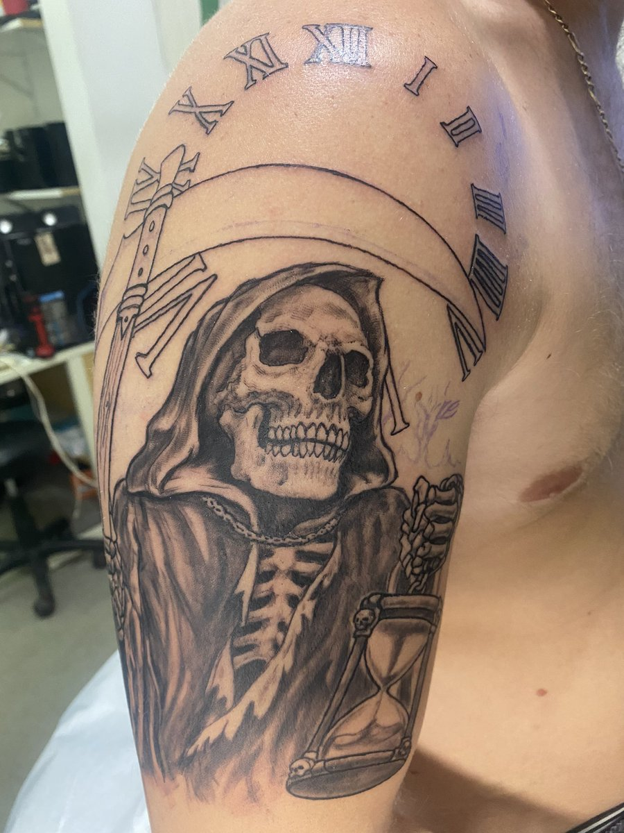 Got a start on the sleeve yesterday! #inked #reaper #sleeve pic.twitter.com/ttnfCtTO8D