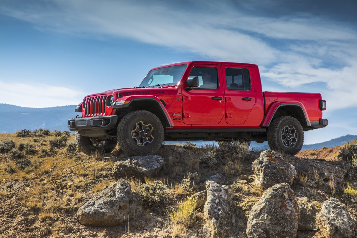 PRESS RELEASE: https://t.co/EcLO6w8oTq   The most capable midsize truck ever is taking performance a step further. Introducing the 2021 @Jeep® #Gladiator EcoDiesel, offering 442 lb.-ft. of torque and delivering the highest driving range on one tank of fuel. https://t.co/54E2QNFeSM