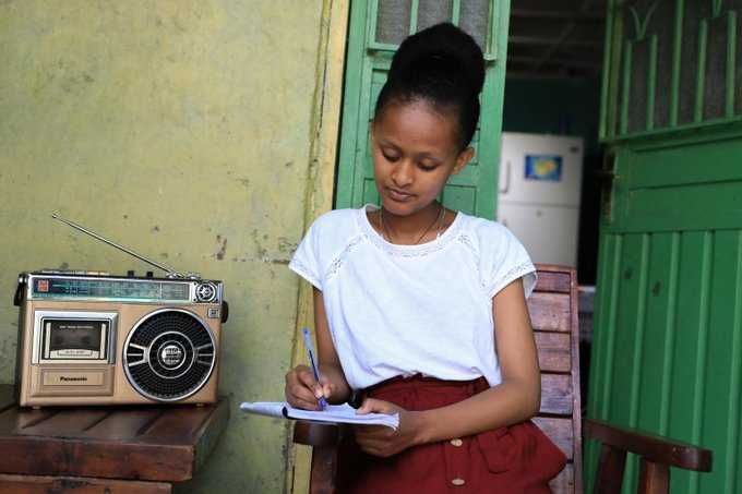 How are children staying active and engaged at home during #covid19? Here are some favorite Stay At Home Diary videos that you can check out here: ow.ly/ZAKN50AqNw5 v/@unicefcanada