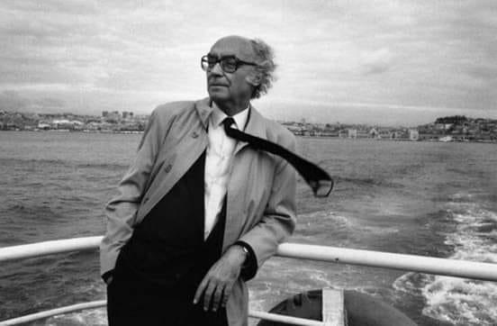 """""""Para qué sirve el arrepentimiento, si eso no borra nada de lo que ha pasado. El arrepentimiento mejor es, sencillamente, cambiar"""". José Saramago https://t.co/lUfHRc9Isr"""