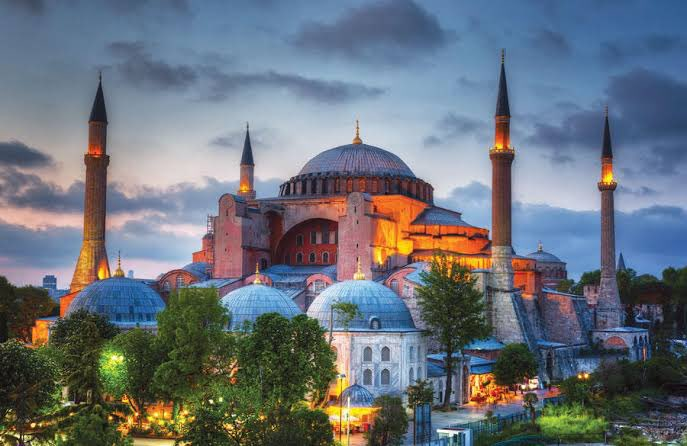 BREAKING — Turkish court rules in favour of converting Hagia Sophia into a mosque https://t.co/ZdnypOcHB7