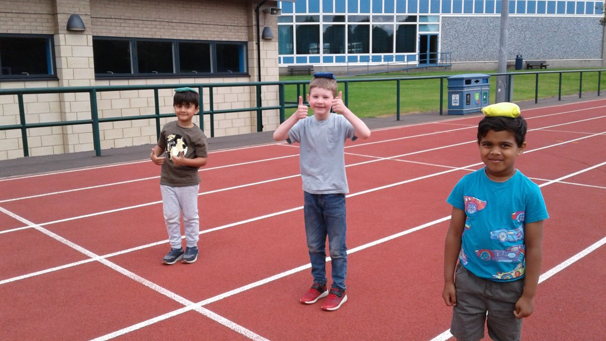 The children at the key worker care summer club enjoyed a mini sports day at Beaton Road this week. #WeAreHutchie https://t.co/uGD2Vya59B