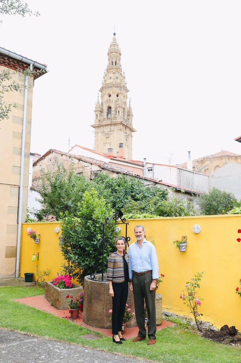Llegada de los Reyes al Albergue de Peregrinos de Santo Domingo de la Calzada, el más antiguo del Camino de Santiago casareal.es/ES/Actividades…
