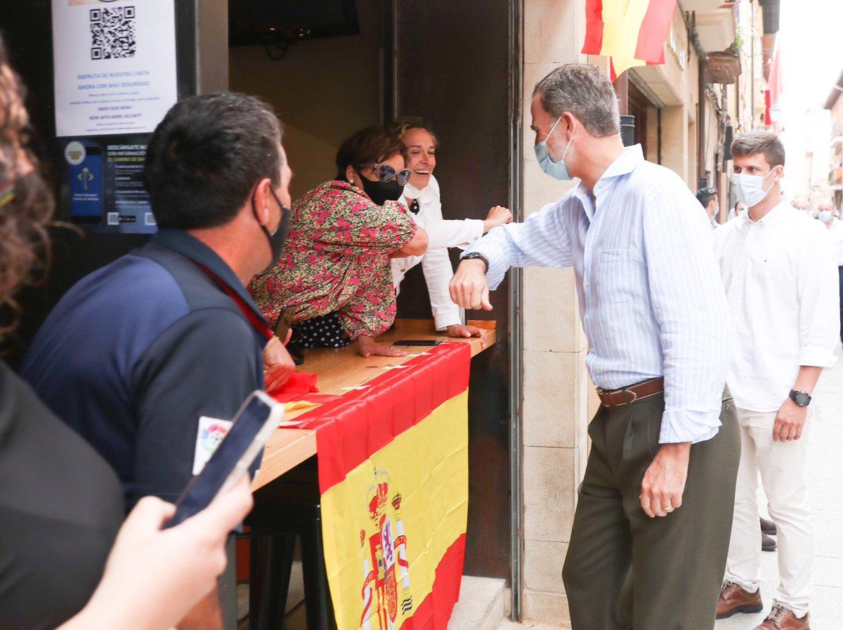 Recorrido de los Reyes por Santo Domingo de la Calzada. casareal.es/ES/Actividades…
