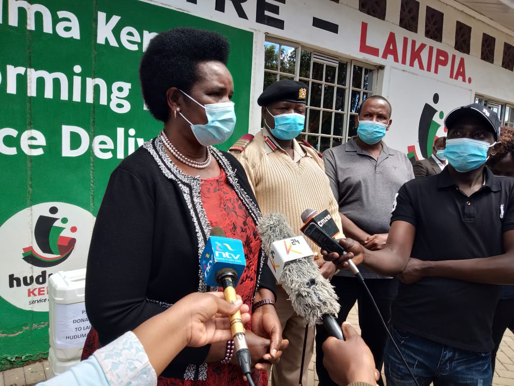 1/4 Following H.E the President's directive on ease of movement restrictions, PS @MaryKimonye today called on all public servants to resume official duty with strict observance of the Ministry of Health guidelines in the fight against the COVID-19 pandemic. @HudumaKenya https://t.co/YiYFLa5aa6