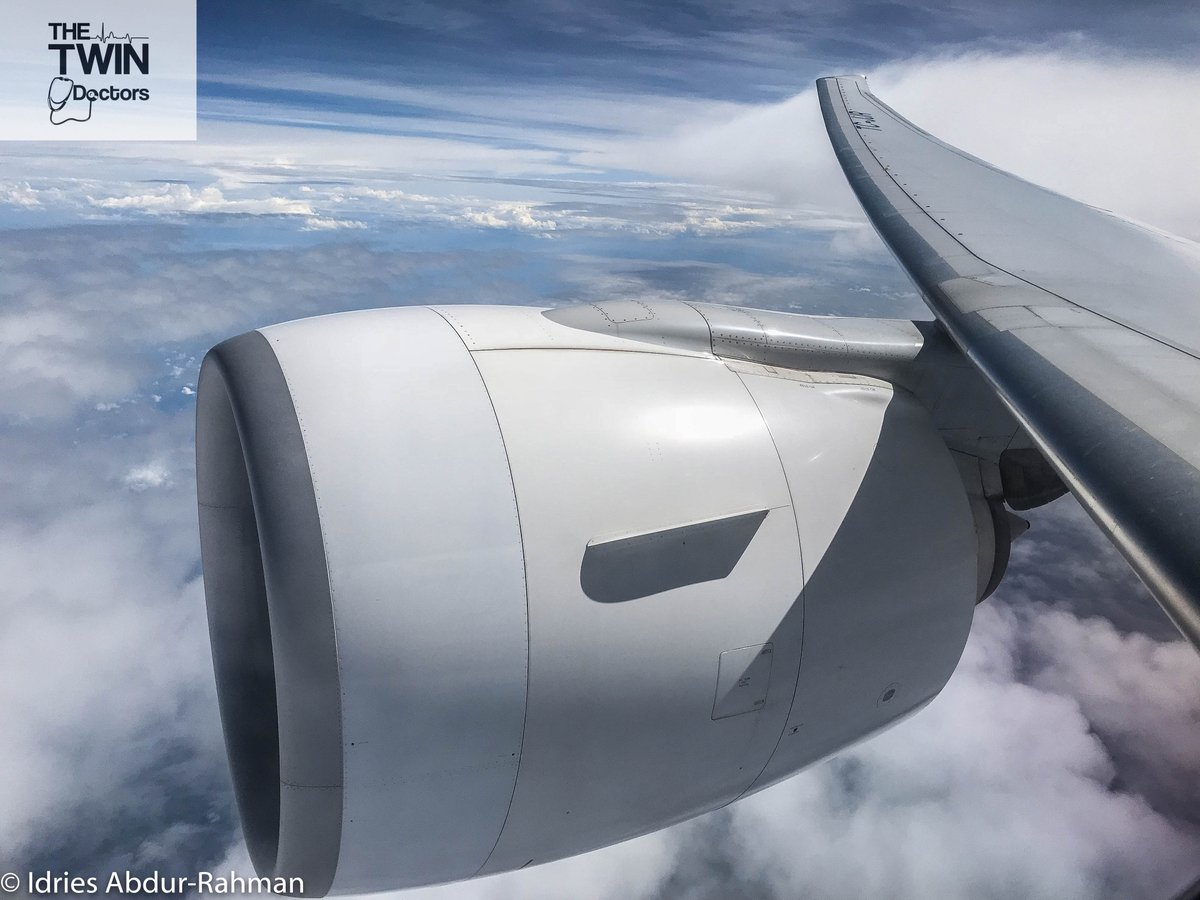 Nothing more graceful than the curve of a #Boeing777 wing against a blue sky. Flying @TurkishAirlines from Istanbul to Singapore. #TheTwinDoctors #TwinDocsTravel #airplane #aircraft #planespotting #aviationphotos #aviationlover #avgeek #avporn #aviationphotography #aviationphoto https://t.co/rSK9C6M3dE