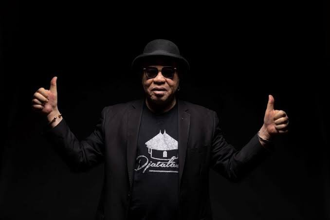 #HelloAfrica  The remix of Madan by Salif Keita and French DJ Martin Solveig was released in France as a digital download in 2003.  The original song was recorded in 2002 for the album Moffou.  #TheGlenzitoSuperDrive https://t.co/U9XmnuyWWJ