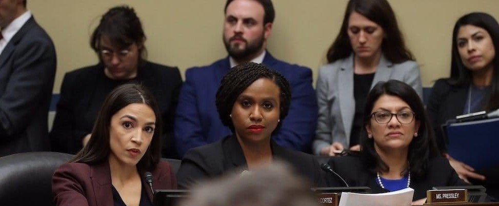 The look I anticipate from the moms as a walk into the gym this morning...... #AOC,#GYM,#PLANETFITNESS,#NBA,#MLB,#NFL,#ESPN,#Biden2020 ,#women ,#WWE ,#VOTE,#USA ,#CNN,#FoxNews ,#NBC,#CBS,#ABC,#SENATE,#momishappynow https://t.co/tzbNywLS13
