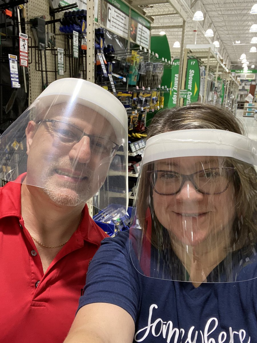 Happy Friday Folks! Let's see your masks/shields! @marcbulandr @king_slowinski @3wicker @spintoliz @kapuzie @sweeney_schram @kmmomof3 @MFBrooklyn @CarnieWilson @pchando @ESWesthoff @LizMiston @kapuzie @lisavboyd @LevesterJohnson @pjstevenson @dorothyccoyle