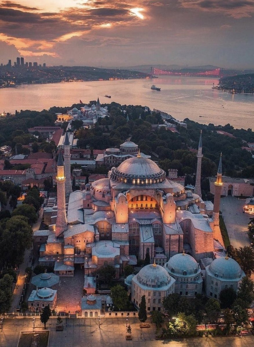 #Greece: 📍Fethiye Mosque in Athens now an expo hall 📍 Tzisdaraki Mosque in Athens now a ceramics museum  📍Hamza Bey Mosque in Thessaloniki now movie theater 📍Alaca Mosque in Thessaloniki now museum 📍New Mosque in Thessaloniki minarets destroyed&now expo hall  @YusufErim34 https://t.co/wlIExCtZ0F