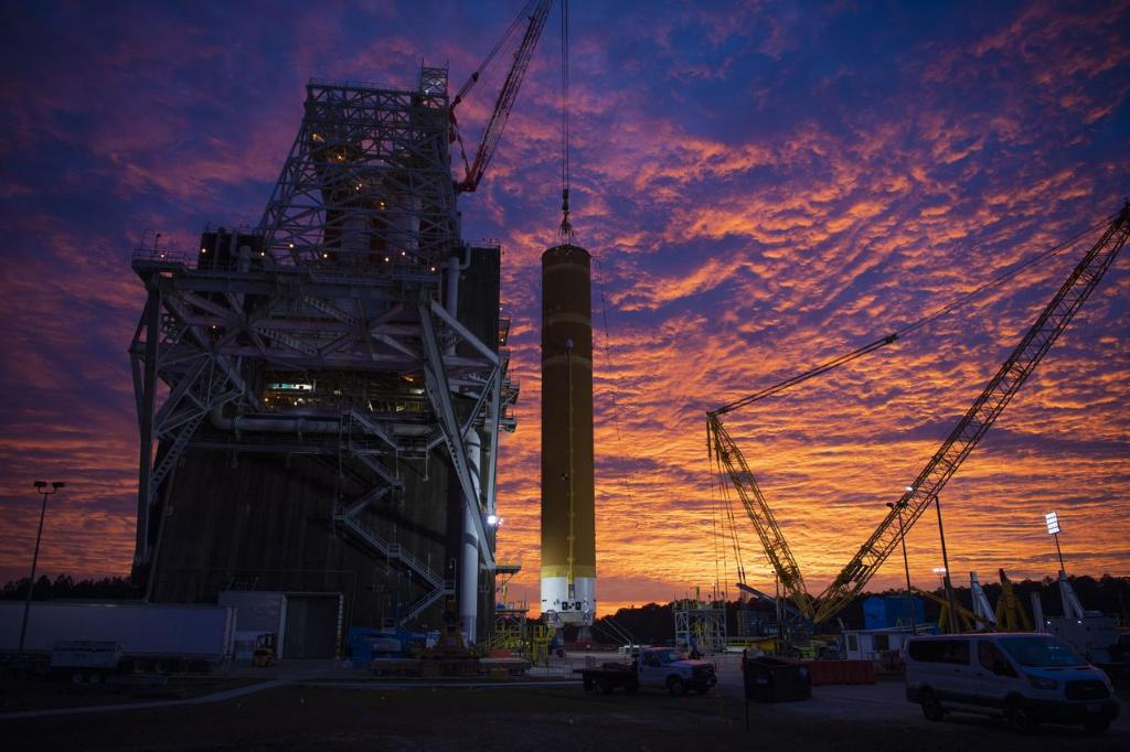 """Our @NASA_SLS 🚀 – the worlds biggest rocket – is undergoing a rigorous test series called """"Green Run"""" at @NASAStennis. Having successfully finished 3 of 8 tests, progress looks great for the 1st launch of #Artemis I to the Moon! Heres the breakdown: go.nasa.gov/2OfLELE"""