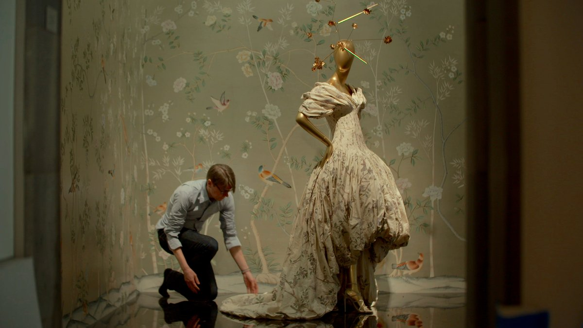 The First Monday in May shadows Anna Wintour and Andrew Bolton as they put together the #MetGala  and highlights the iconic looks that are born out of it. Stream it now on DOX! <br>http://pic.twitter.com/jwii98KbSj
