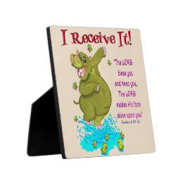 Need a lift? #Give! #Cheerup someone #special with the lovely #ReceiveIt #Desk #Plaque! You're blessed as the #Blessings #goes around. Get yours #today at #ToToGifts https://t.co/qN7SKTgn4G! #athome #lobby #camps #office #school #team #friends #faith #grace #kitchen #fun #sunday https://t.co/Sq6ohkzyg8