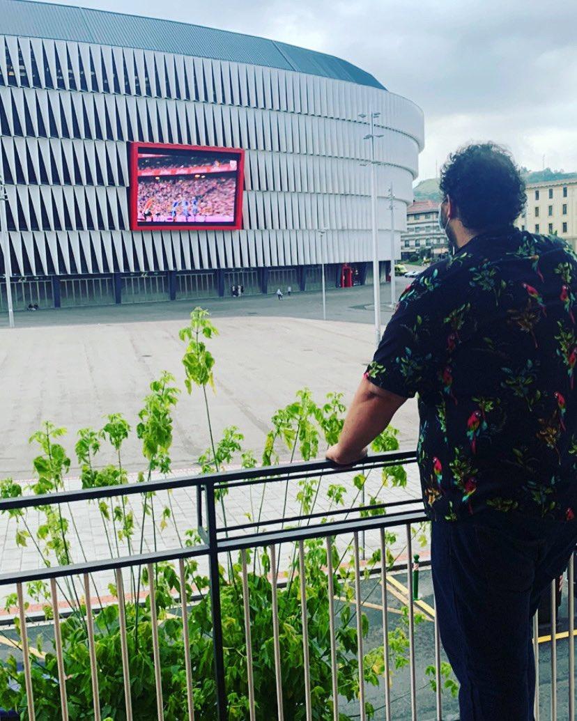 No viajamos para escapar de la vida, viajamos para que la vida no se nos escape.  #Bilbao #FinDeSemana pic.twitter.com/b89V92Nea3