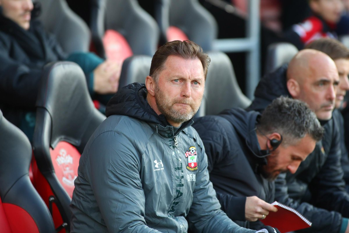 [Southampton FC] Ralph Hasenhuttl tells his players to 'fight like lions' at Old Trafford https://t.co/oopi49DZEz https://t.co/0mUWuqER71