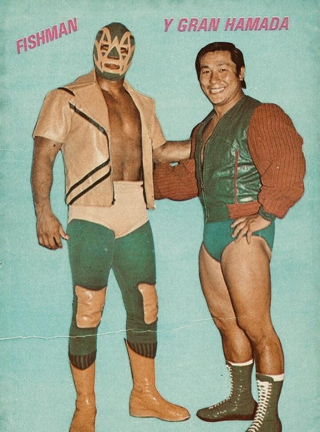"""¡Bella postal! Dos grandes luchadores. """"El Veneno Verde"""" Fishman y Gran Hamada. #FotoDelRecuerdo"""
