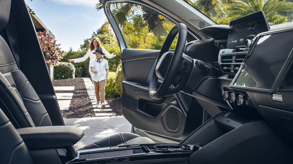 Opën the way!  Beautiful inside and out! You'll love the comfort of New #CitroënË_C4 - 100% ëlectric with its Advanced Comfort Seats and panoramic glass sunroof! Also available in petrol or Diesel. Discover more: https://t.co/eenfduJkMr  #ËlectricForAll #OpenTheWay #Comfort https://t.co/DoqeHplllH