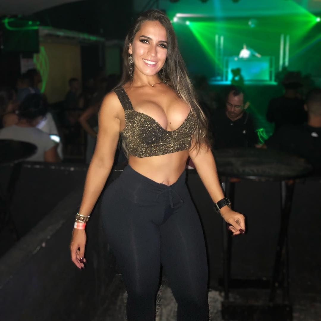 Night  .. .. .. .. .. #love #instagood #instalike #follow #dance #like #happy #dancer #performance #instadance #instalike #instabeuty #linda #me #like4like #like #top #nice #instagram #funk #sexy #night #go #carioca #domingo #errejota #bomdiapic.twitter.com/5ddVgG9Gun