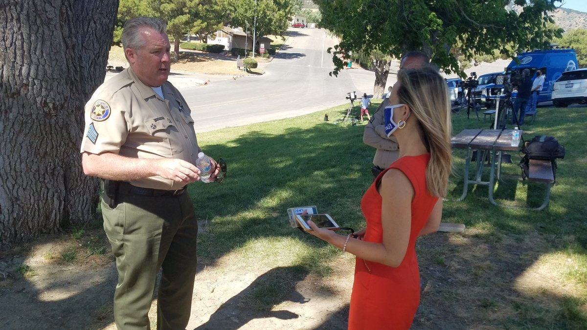 .@LaurenLyster talking to Ventura Sheriff Dept about the search for #NayaRivera and taking over reporting duties for the day with photojournalist Matt Spinelli #KTLA @KTLA https://t.co/slb0kNQfoV