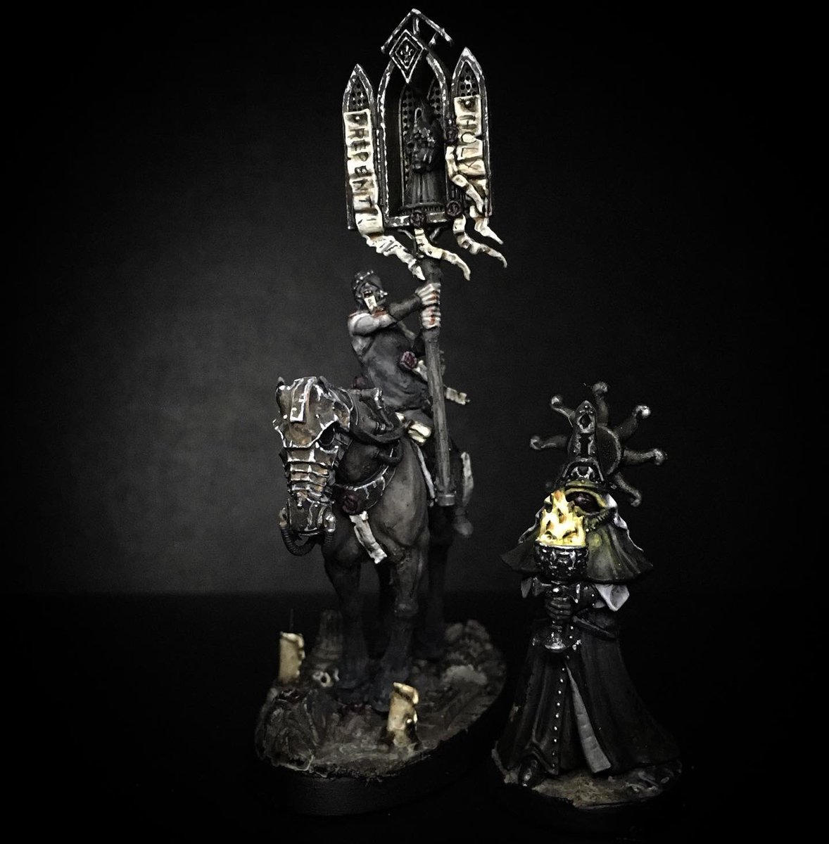 As well as prying Inquisitors, at night, the Streets of Vasaria are patrolled by Sigmar's Hallowed, skilled riders and reminders to the public of the God King's ever-present light #WarhammerCommunity #citiesofsigmar #ageofsigmar https://t.co/IUQPvrJdul