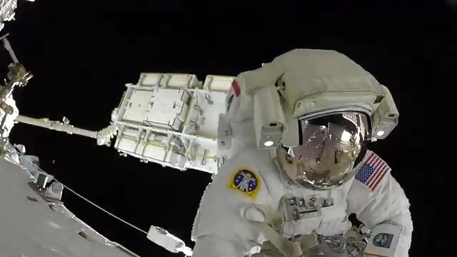 The only thing cooler than living on @Space_Station is getting the chance to work outside of it! I'm lucky to have had several opportunities to go outside for a #spacewalk to help assemble and maintain the Station over the years. Two more planned for next week! #SpaceStation20th