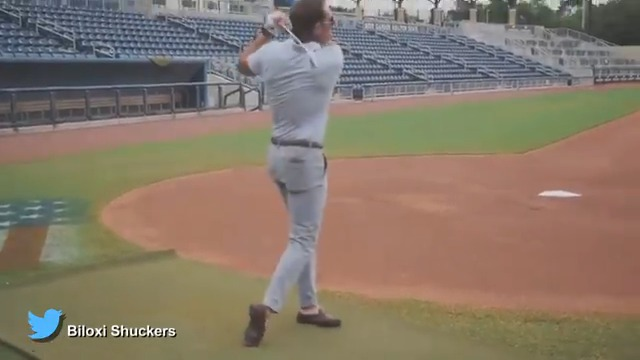 A makeshift chipping and target course at MGM Park 🎯 See how the home of the @BiloxiShuckers was transformed into a golf course in this #GrillRoom presented by @CallawayGolf.