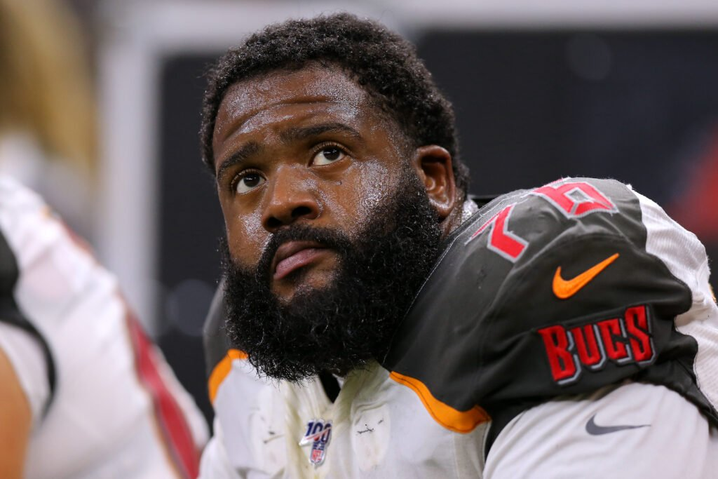 """Will NFL players opt out? """"Risking my health as well as my family's health does not seem like a risk worth taking,"""" says Donovan Smith, the Bucs' starting left tackle. Smith's first child is due in three weeks. Story by @gregauman. https://t.co/dvhsD73bVx https://t.co/Ee0xW9m1mW"""