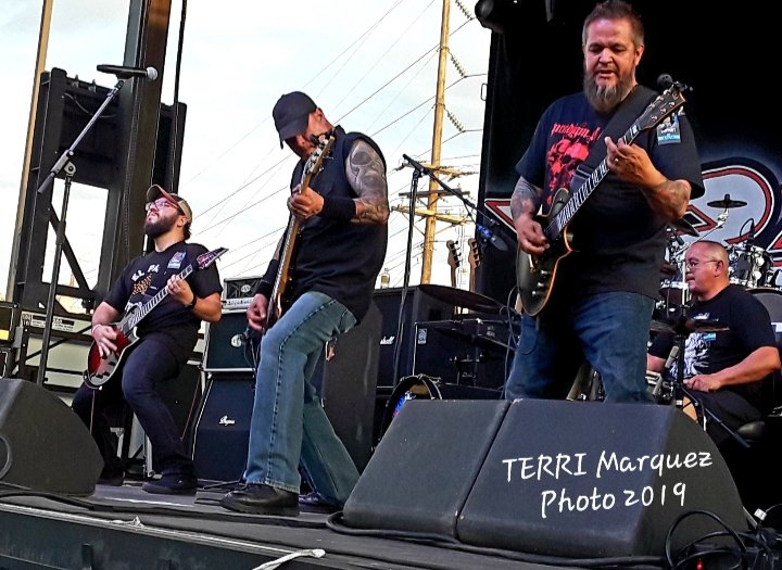 #flashbackfriday  RATT show The good ol' days of live, summer shows. May we see them again!! #texasvoodoostomp #ratt #speakingrock #FREEshow #fanfriday #fridayfun #TGIF #elpasostrong<br>http://pic.twitter.com/uGBCinDWo1