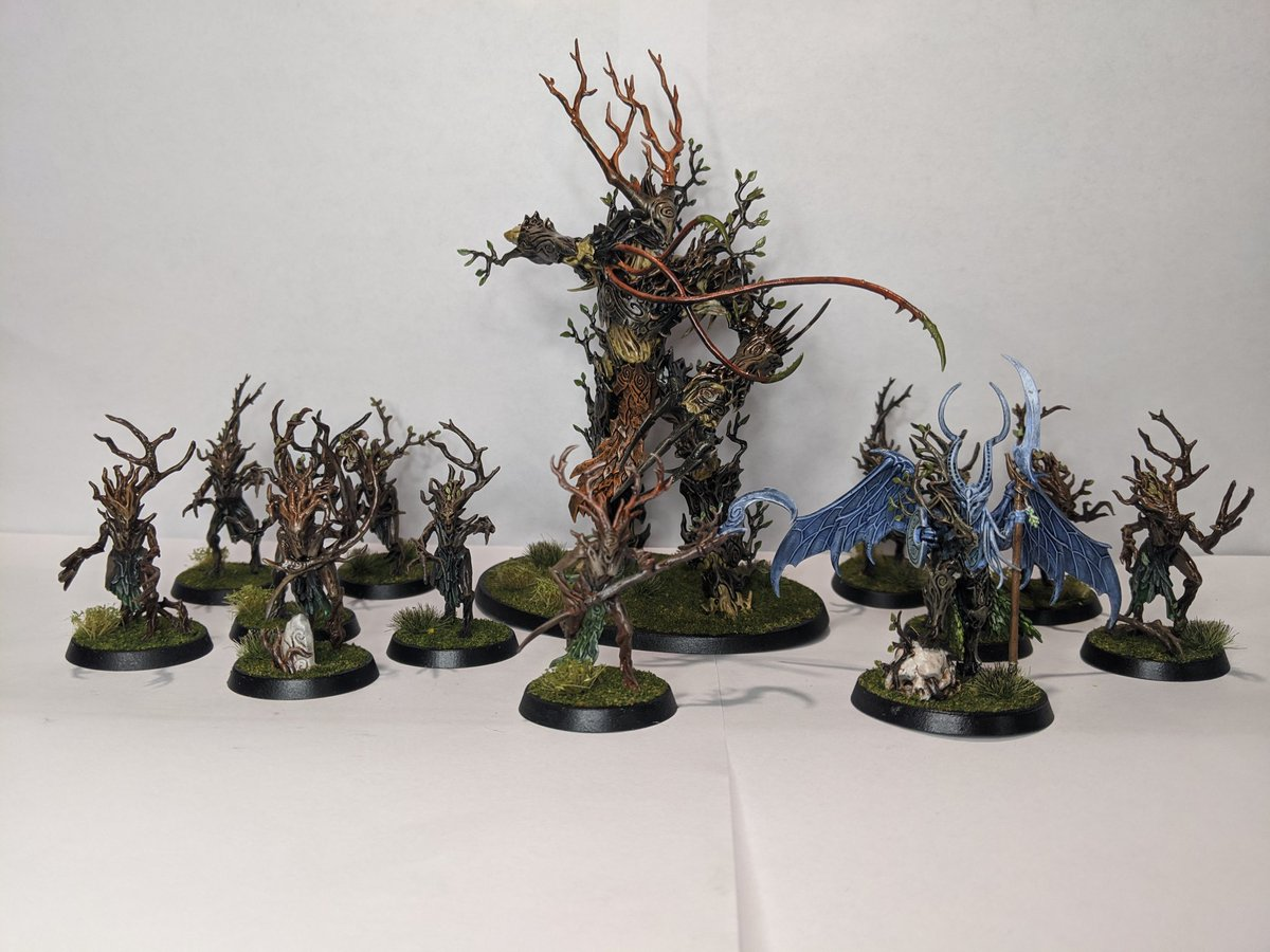 Built, painted, based, and coated!! These Sylvaneth are ready for the table!! Soo happy with how they turned out! #WarhammerCommunity #ageofsigmar https://t.co/lcoGn1nk8P