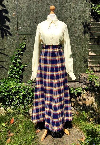 Popular this week on #etsy.com/uk/shop/GINGERMINTVINTAGE #1970's  #HighWaist  #A-Line #NorthernSoul #wiganpier #soulwalk  Uk4,US0, #Vintage, #Maxi Length, #Plaid #Check #Swishy Skirt. #Preppy Bold Check,.#Iconic 1970's Skirt https://etsy.me/2W4tXCMpic.twitter.com/06HXrSLEXo