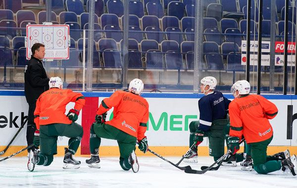 Кормье и Азеведо пока не приехали http://kazan-news.net/sport/2020/07/10/263005.html… #Казань pic.twitter.com/94Q5sDYDb5
