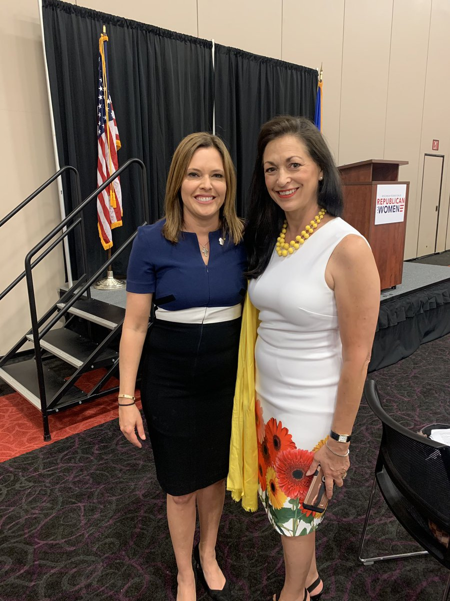 Celebrating the 100th anniversary of the 19th Amendment with the Wisconsin Federation of Republican Women! 🇺🇸❤️ @mercedesschlapp #WomenForTrump https://t.co/yP807QkjbY