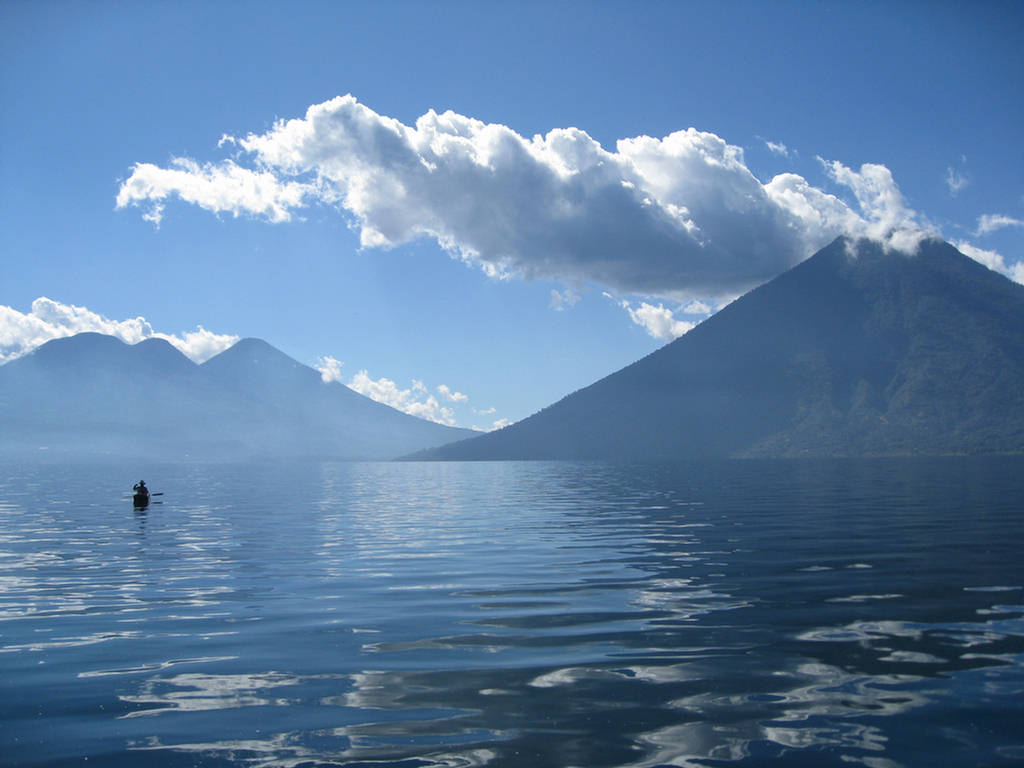 the most beautiful lakes in the world 世界中一番美しい湖ら Recording No.:2 Lake Atitlán Country and District:Guatemala  Surface area:130.1km2 Max. depth:340m Water volume:20km3 Elevation:1,562 m Datas from Wikipedia  Beauty evaluating score:92 points pic.twitter.com/3n5KJq44qu