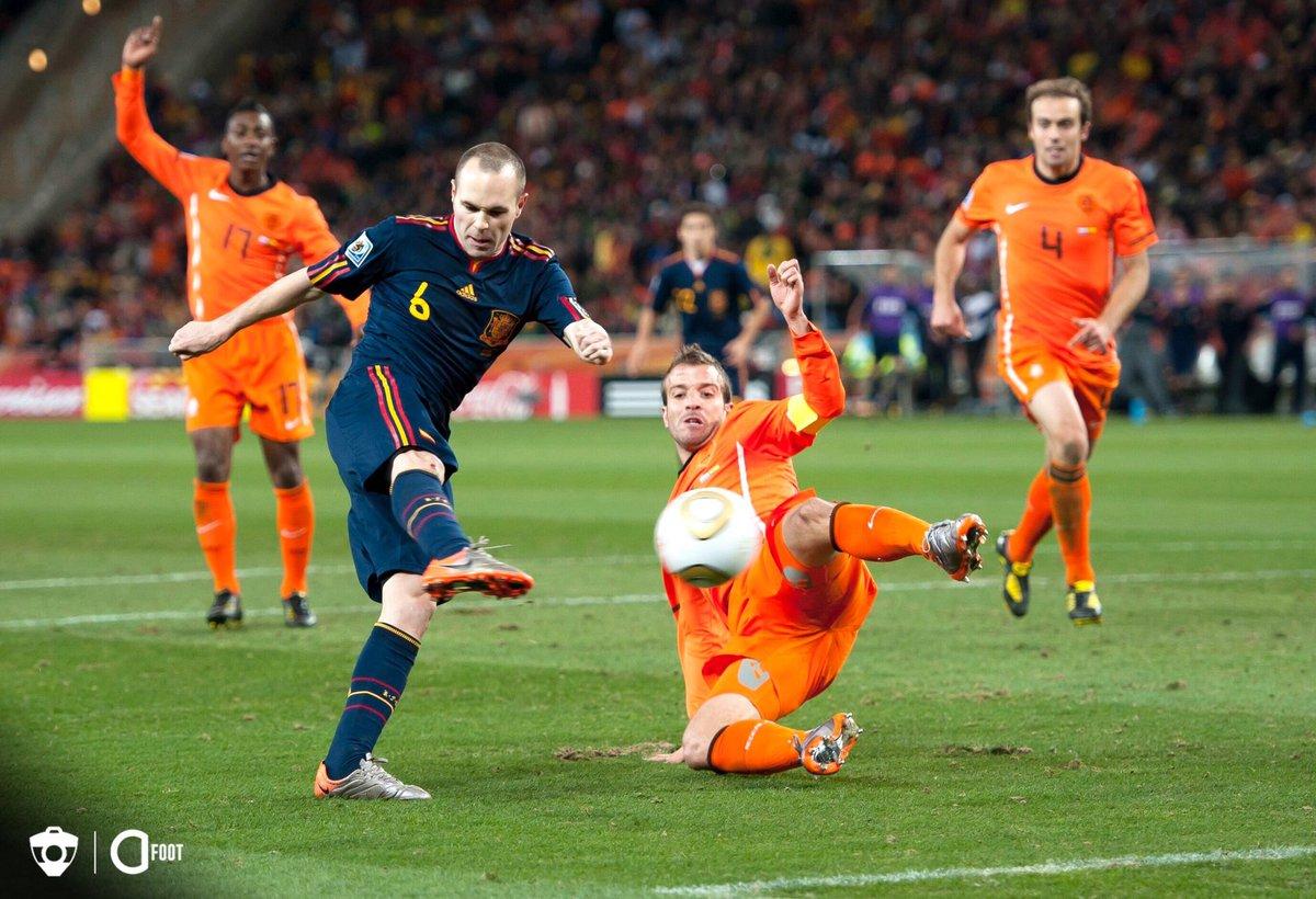 Il y a 10 ans jour pour jour, l'Espagne était sacrée championne du monde grâce à un but d'Andrés Iniesta. 🇪🇸⭐️